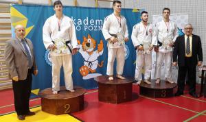 M. Jackieiwcz 2 m waga -90 kg